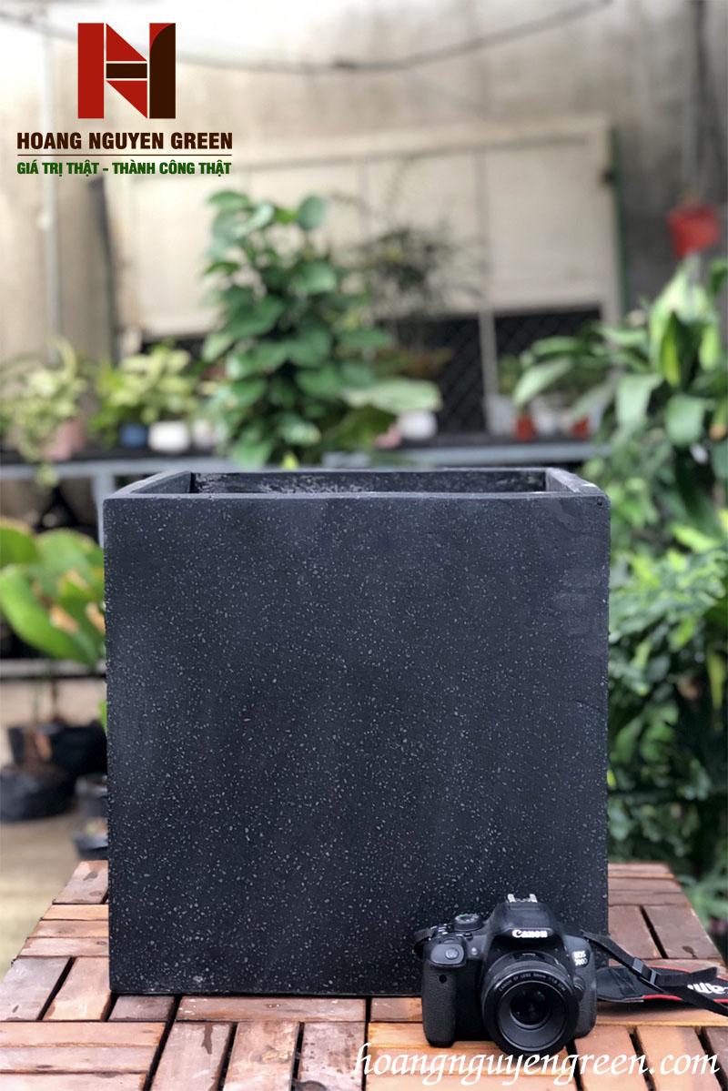 Chậu Đá Mài Vuông Đen 40 x 40 cm